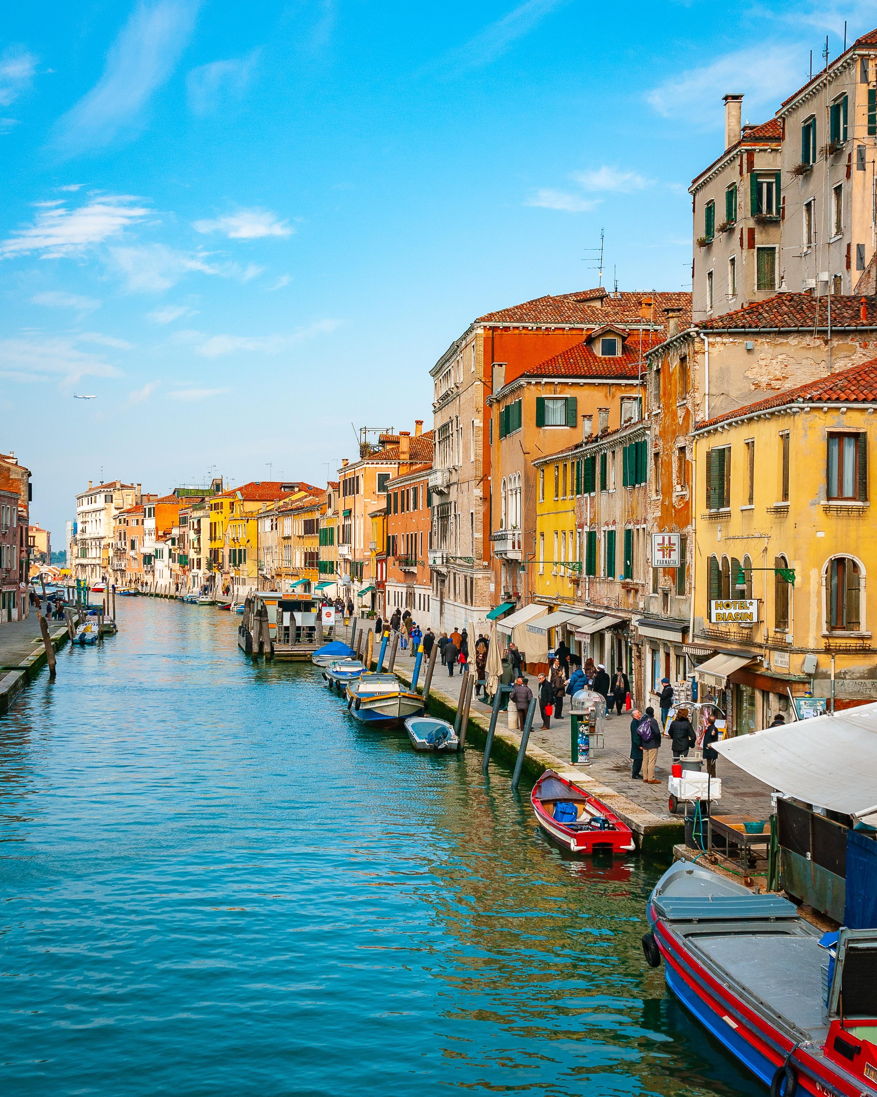 Visa du lịch Châu Âu là niềm ao ước của nhiều người